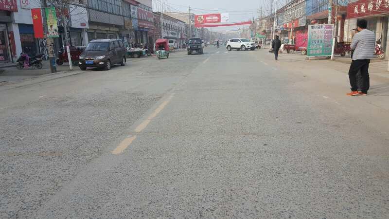 """开封市祥符区:刚建好一年多的县道被指""""豆腐渣""""工程"""