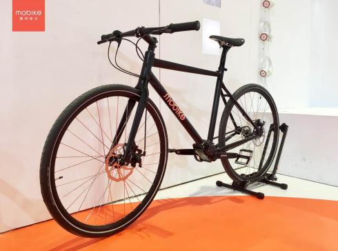 """超吸睛!摩拜单车上海自行车展推多款""""技术验证单车"""""""