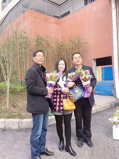 重庆九龙坡:特别的爱
