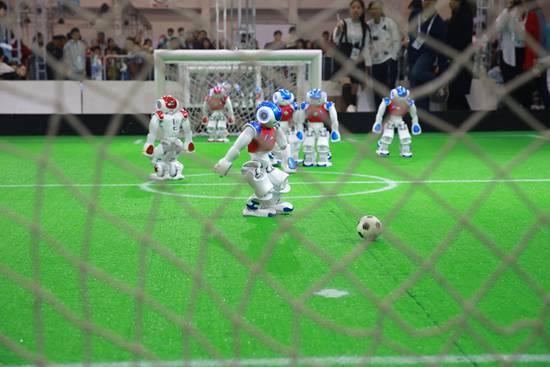 机器人大潮中暗藏多少伪命题:未来人类将向机器人讨饭?