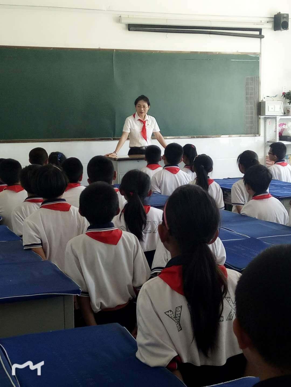 """朔州火车站工作人员为元博中学送去""""文明出行你我他""""庆六一公益课"""